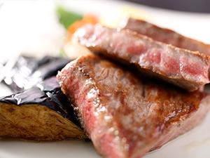 但馬牛のステーキ写真